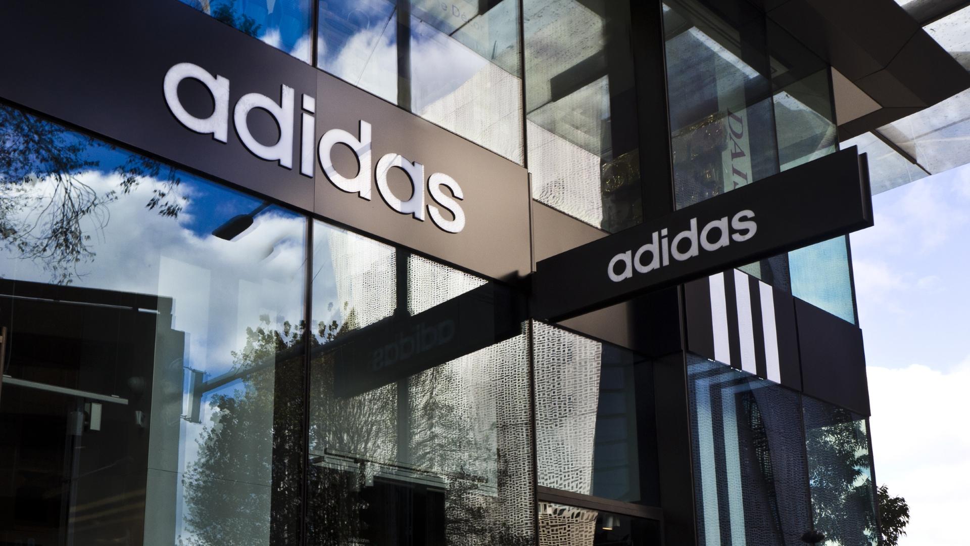 Adidas Fascia Signage